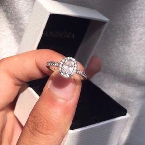 Pandora Vintage Elegance ring size 56 (size 8). 😍